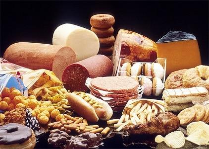 10 aliments à éviter pour la santé